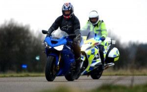 Poursuite entre police et motard
