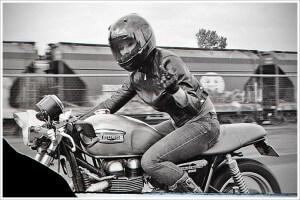 La moto appartient aussi aux femmes !