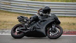 Femmes et Moto Compatibles ?