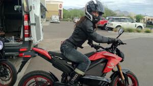 Passer le permis moto en étant une fille !